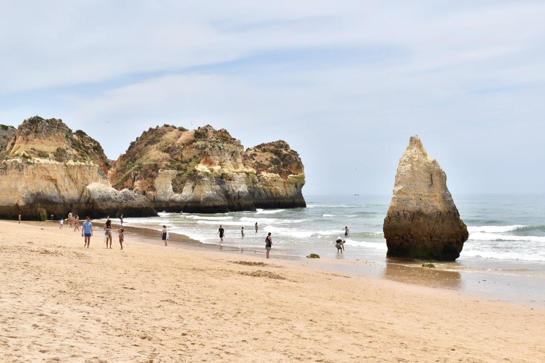 Praia dos Três Imãos